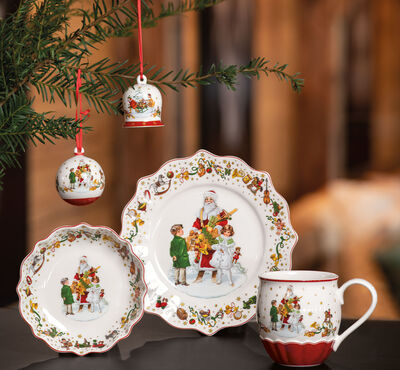Our Annual Christmas porcelain editions
