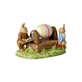 Bunny Tales figurine Egg painting machine