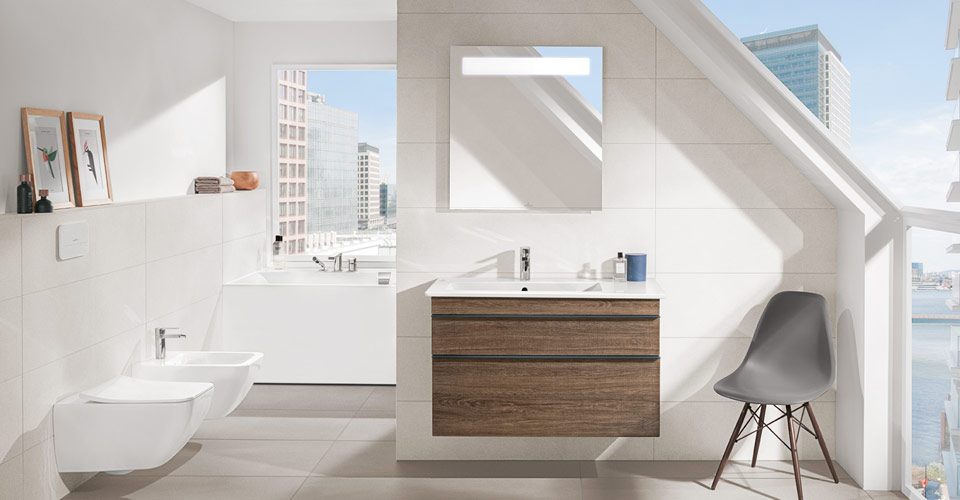 Bath under a sloping roof - Clever use of space - Villeroy & Boch on slanted attic bathroom, slanted wall bathroom, slanted ceiling bathroom, pitched roof bathroom,